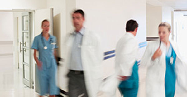 image of doctors in emergency room