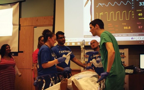 Image of Emergency Medicine Residents competing in Bronx Sim Wars Competition