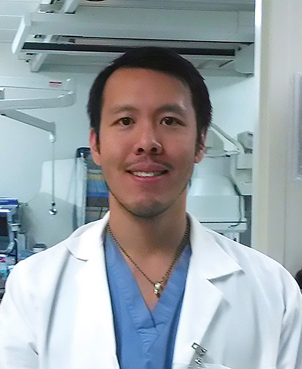 Image of Dr. Chiong. MD explaining pelvic congestion syndrome